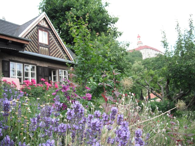 rekreační dům v centru Náchoda s tajemnou zahradou