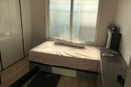 서울 인접, 햇살이 가득 들어오는 편안하고 따듯한 여성전용숙소에요:)호스트와 원활한 소통♡