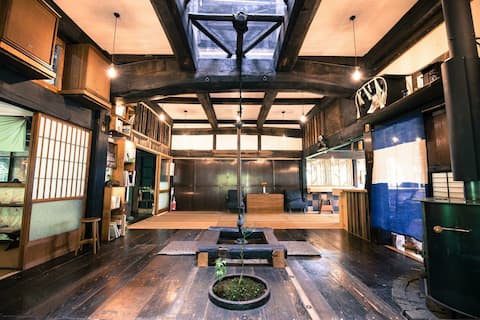 Private room up to 5 guests in Hostel Yui-an