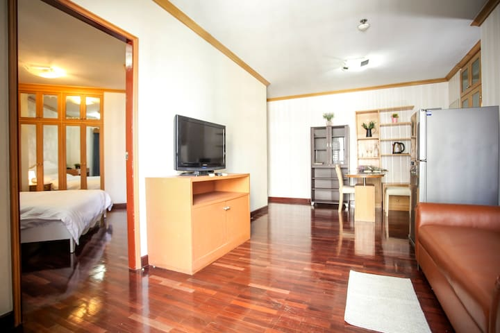 ★Top of Pratunam Shopping 1BR★|Kitchen and Terrace - Bangkok - Condominium