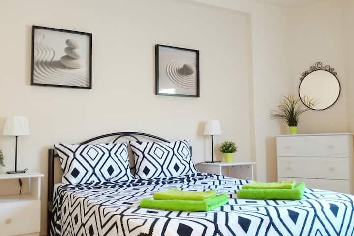 DimitrisHouse. Lightful family apartment 80m/sea