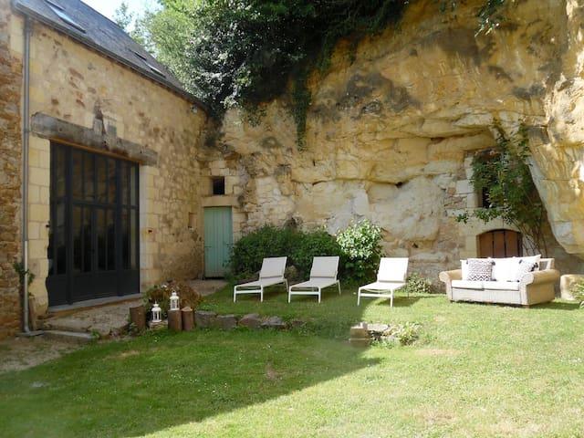 """Gîtes de """"la roche d'Etiau"""", escale nature"""