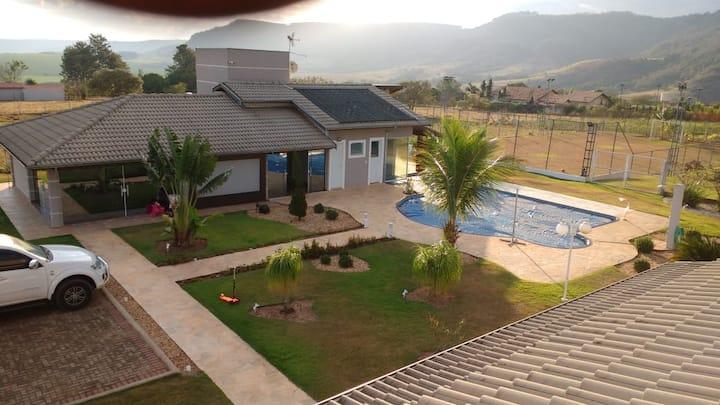 Chácara Familiar em São Pedro-Linda Vista da Serra