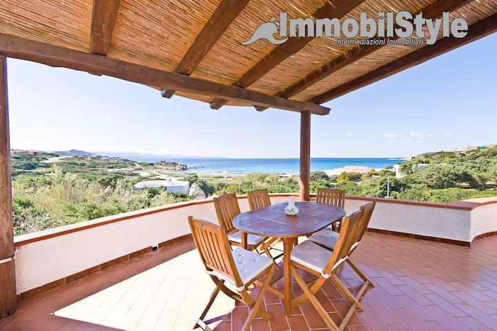 Villa Messicana a 70 metri dalla spiaggia.