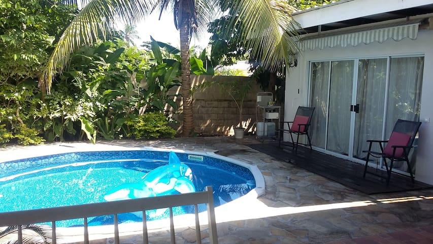 TAHITI : Studio dans propriété - Paea