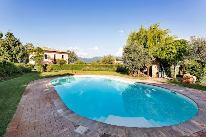 Villa, Yoga Studio, Private Pool. Spoleto 10 min.