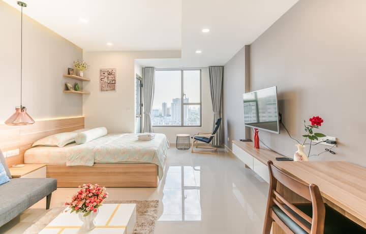 The Rivergate - haohin luxury  studio condo apart