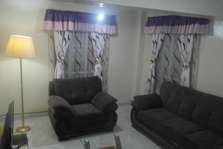 Palm Airport Private Suite/Room 3-Close to Airport