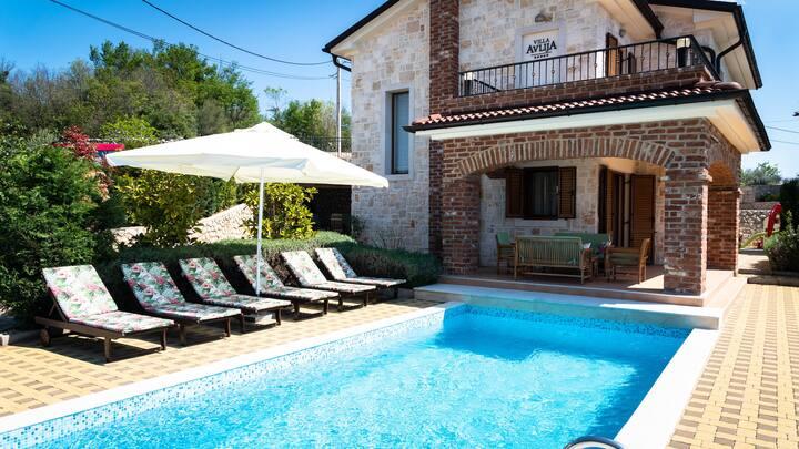 Villa Avlija