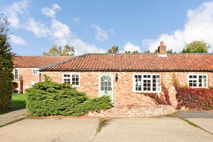 Hockney Cottage
