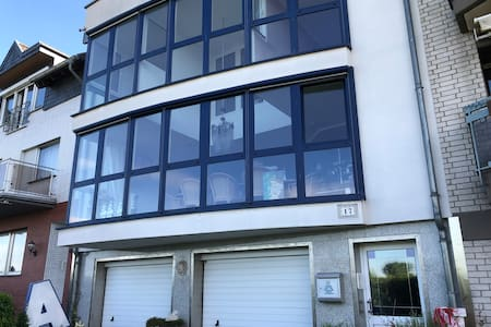 Große Wohnung direkt am Rhein nahe Bonn und Köln