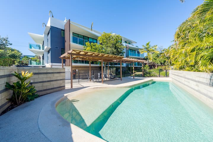 Luxury Unit with Pool close to Peregian Beach