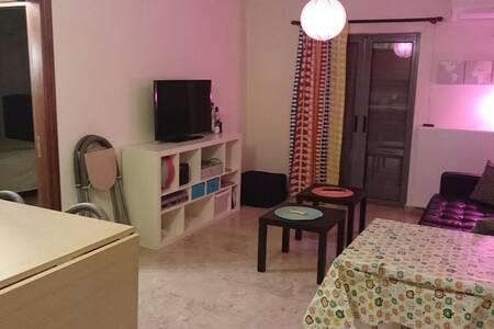 Tvårummare mitt i stan/ Central two room flat - Amaliada, GR - Apartment