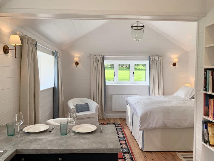 The Bothy - a private  cottage with stunning views
