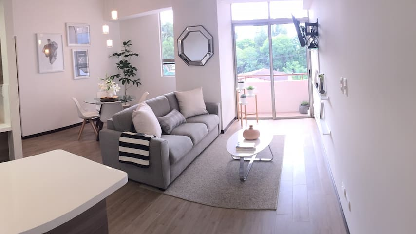 EXCLUSIVE LOCATION:New Beautiful&Modern  Apartment
