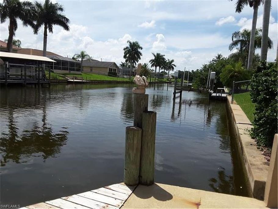Quiet canal heatedpool home center of cape coral houses for Cape coral fishing report