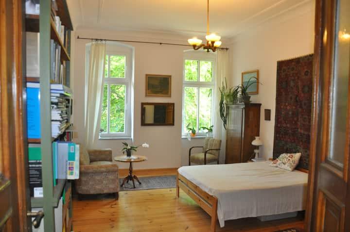 Śliczny pokój/Warm, stylish room, Wyspiańskiego St