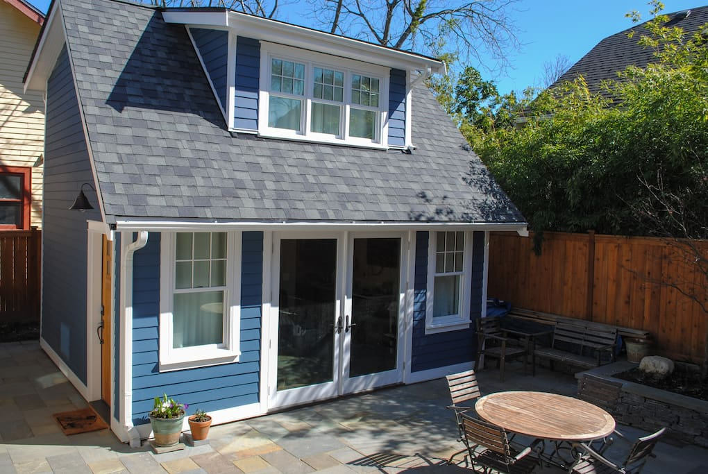 Private cottage opens up to new, large, light-filled bluestone patio