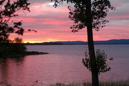 Constance Bay luxury cottage - weekly Rental