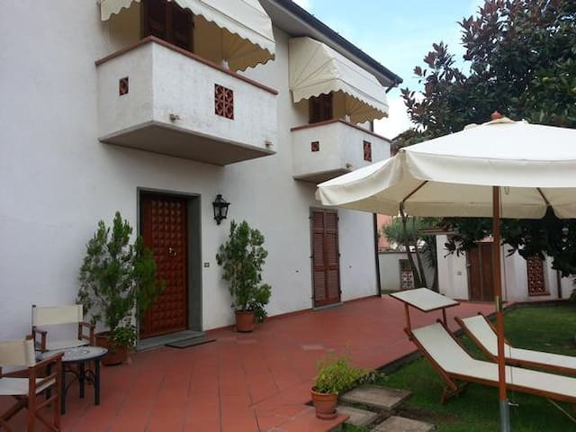 B&B I Giardini - Romito Magra - Bed & Breakfast