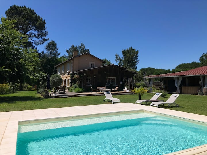 Large family house+wooden chalet and swimming-pool