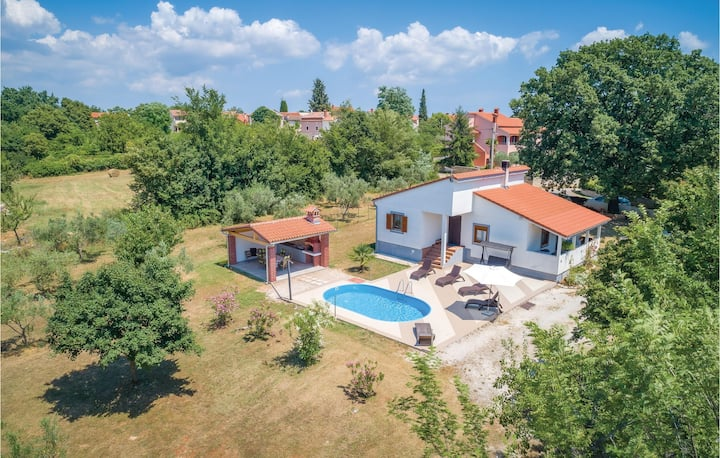 Awesome home in Svetvincenat with WiFi and 3 Bedrooms