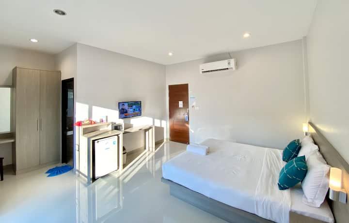 Comfy Room with balcony. HKT, Naiyang Beach