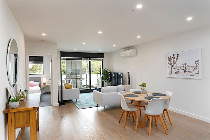 2bed/2bath apt in the heart of Brunswick