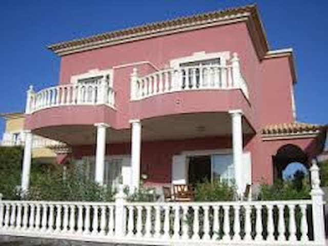 Villa Las Dunas . Luxury Bed And Breakfast - El Médano - Bed & Breakfast