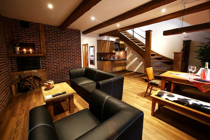 Apartments & Suites U Žluté hrušky (mezonet 8 l.)