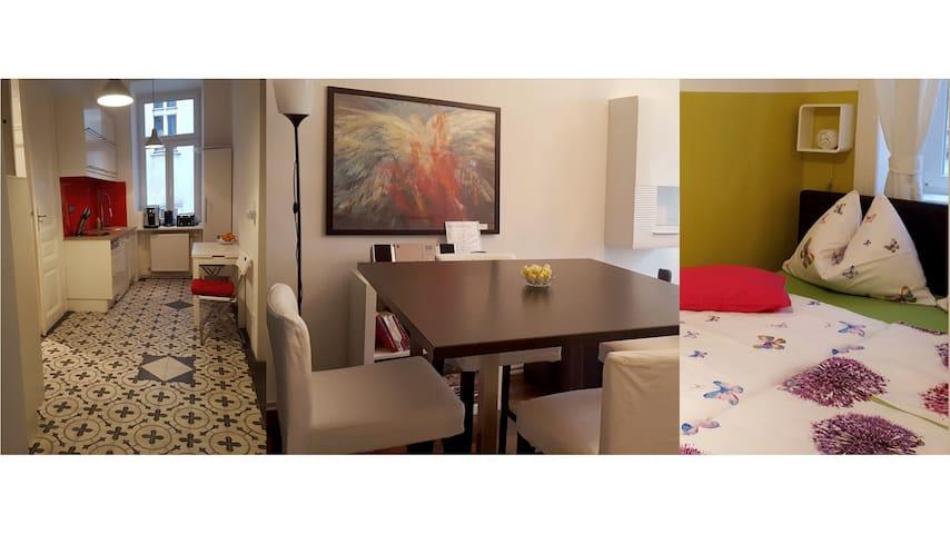 """Vienna-Center Apartment """"Boboville"""""""