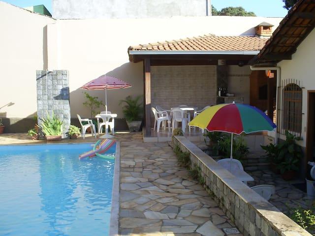 Casa com Piscina , Centro Lagoa Santa MG. - Lagoa Santa - Casa