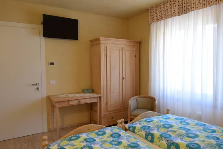 Avisio Zimmer -  Bed & Breakfast Segonzano