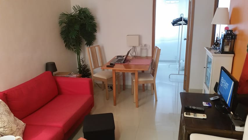 Convenient Room in Sheung Wan / Central - Hong Kong - Apartment