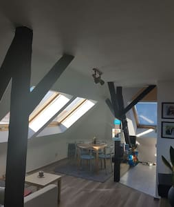 Gemütliche Dachgeschosswohnung - Erfurt - Apartamento