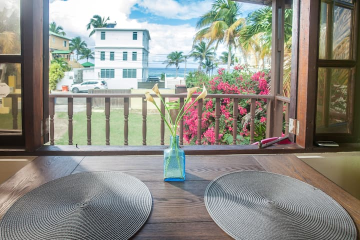 Kasa Maui - Ocean View Apt steps from Sandy Beach!