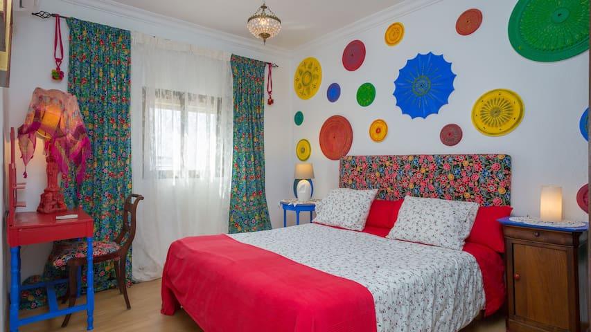 La Casa de Frida: 2 dormitorios terrace & Parking