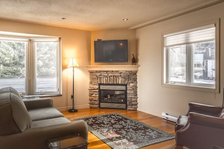 West & South Suites, on Abbott Road - Kemptville - 獨棟
