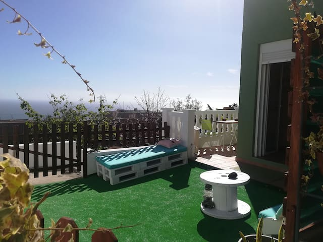 CHARMING STUDIO TENERIFE. ENJOY SOLARIUM/CHILLOUT