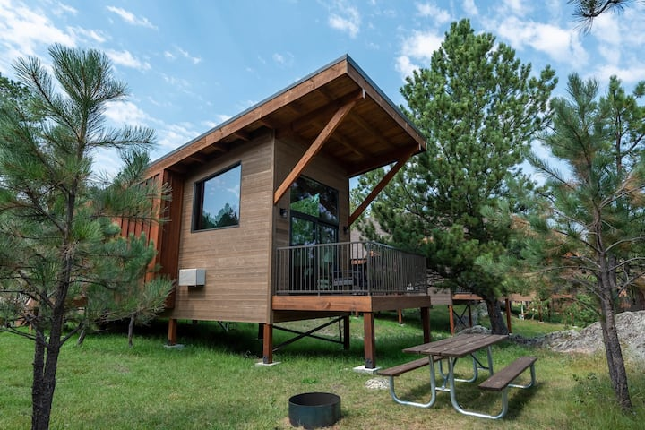 Valhalla Wedge Cabin | Minutes from BH Attractions