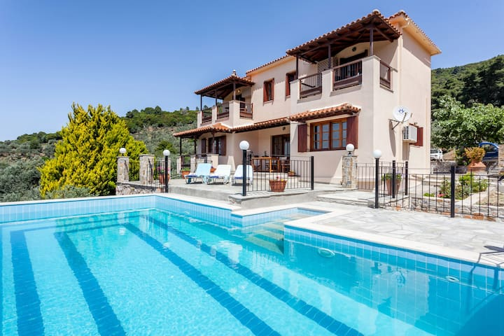 Find Your Summer Home Away From Home - Skopelos - Villa