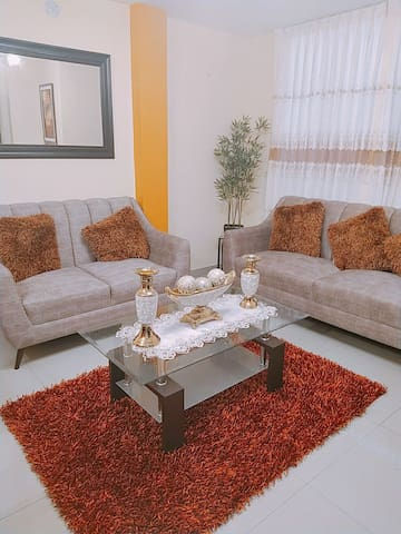 Entire Spacious and cozy 3 bedroom Apt