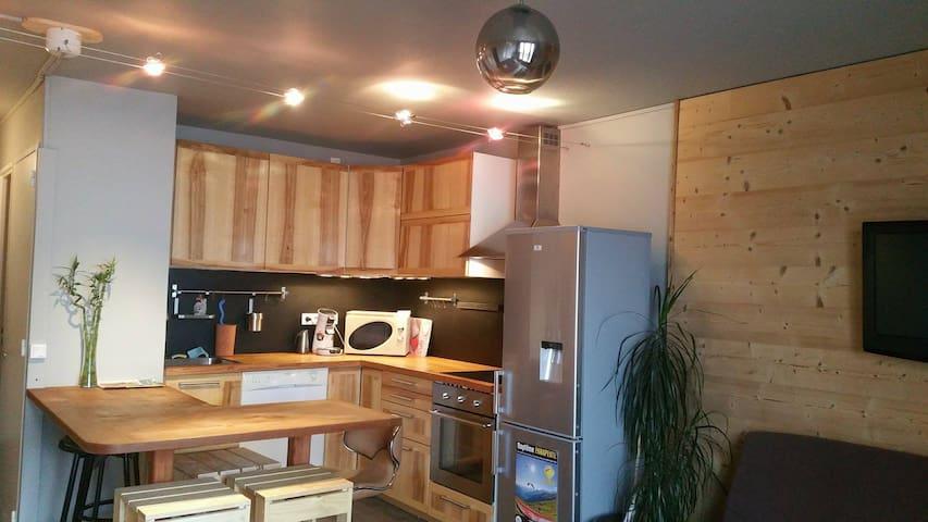 Bel appartement typé chalet,T3, vue extraordinaire - Orcières - Leilighet