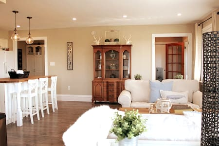 Cavendish Lane  - Minutes to Beaches and Golf