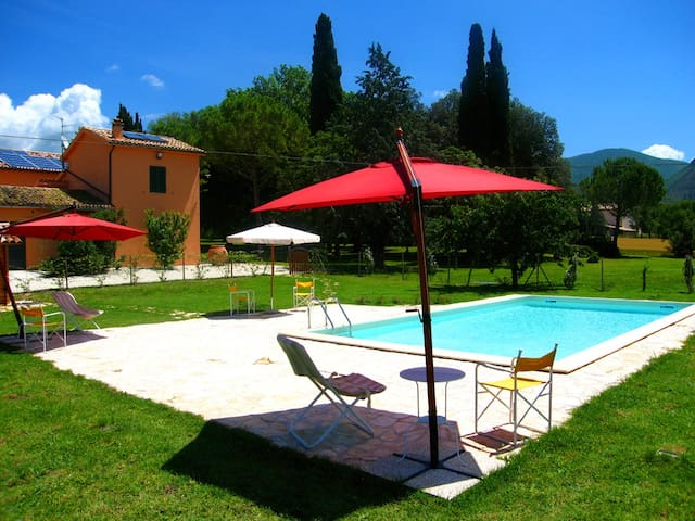 Monastery Lodge/slp 2 + pool, 3 mls/Spoleto centro - Bazzano Inferiore