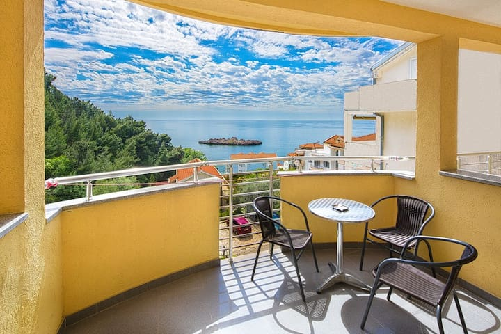 Double room with sea view - Sveti Stefan - Bed & Breakfast