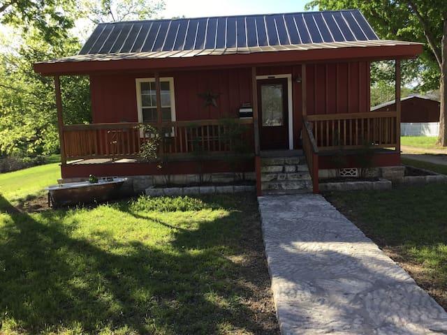 Cypress Creek Guesthouse - Comfort - Bed & Breakfast