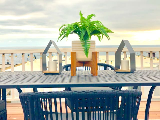Fantastic Beach Home with Rooftop Deck