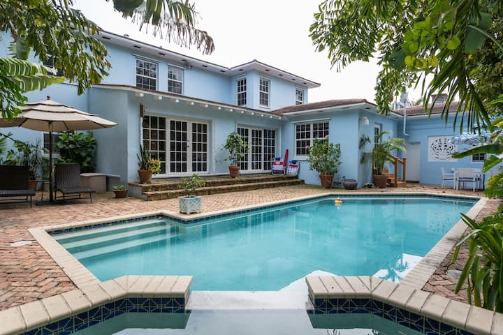 Beautiful Poolside Studio, Heart of Miami