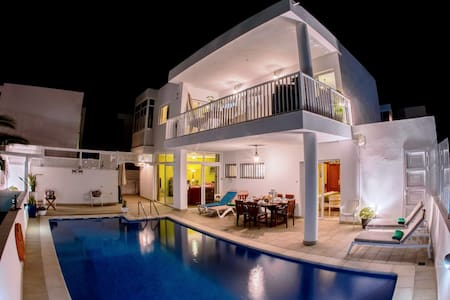 Gorgeous Seaview Urban Villa - Playa Honda